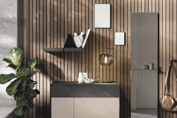 Recibidor a medida compuesto por módulo con cajón y puerta, espejo rectangular con repisa y estante a pared.